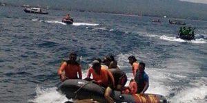 Evakuasi Korban KM Ravelia 2