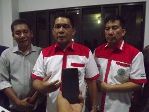 Kepala BNN Propinsi Jawa Timur  BrigjenPol. Drs. Amrin Remico SH.MM (Tengah) Kepala BNN Kabupaten Gresik AKBP. Agustianto SH. (Kanan), Kepala Desa SidoJangkung (kiri)