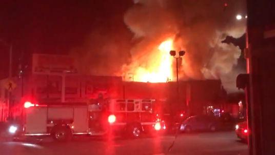Api Tersulut Acara Musik Oakland Diperkirakan 40 Warga Tewas di California