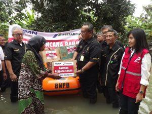 pertamina-bantu-korban-banjir