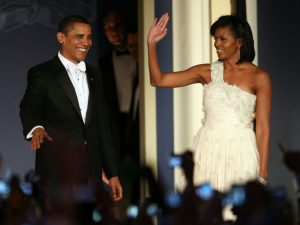 Barack Obama dan Ibu Negara Michelle pada bola pelantikan pada tahun 2009