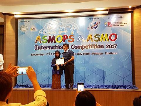 Dua Siswa SD Integral Hidayatullah Surabaya Gondol Prestasi Sains dan Matematika tingkat Internasional