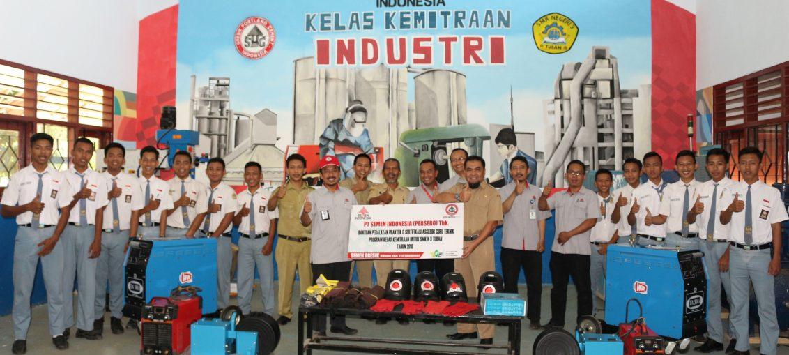 Kelas kemitraan merupakan kelanjutan dari program vokasi industri, Dimana tahun 2017 Semen Indonesia telah memberikan beasiswa magang indutri