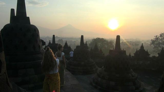 Candi Borobudur menjadi daya tarik wisatawan domestik maupun mancanegara