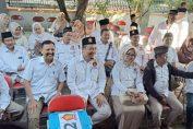 Photo : Ketua DPC Partai Gerindra Gresik saat menyerahkan berkas persyaratan Bacaleg DPRD Kabupaten Gresik 2019.