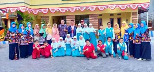 Foto : Suasana Duta Limas SD Muhammadiyah 15 Surabaya sebelum berangkat ke ME Award di Universitas Muhammadiyah Malang