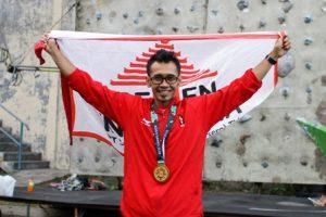 Foto 2 : Abu Dzar Yulianto merupakan atlet binaan Swelagiri Semen Indonesia sejak tahun 1999 yang berhasil meraih medali Emas pada Asian Games 2018 dalam cabor panjat dinding estafet putra