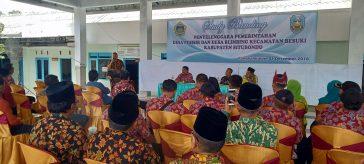 Kepala Desa Pangkah Kulon Achmad Fauron saat sambutan penerimaan rombongan dari Desa Pesisir dan Blimbing Situbondo.
