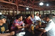 Forum PAC PKB se Kabupaten Gresik saat melakukan konsolidasi di rumah makan Joyo Hartono Gresik