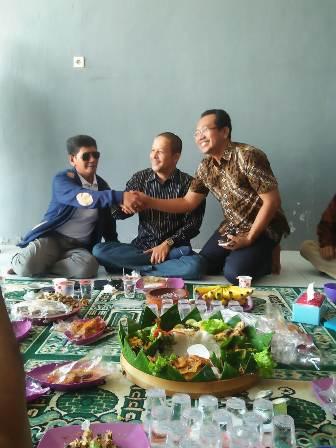 H. Khozin Pendiri RGS (Kiri), H. Pendik (tengah) Ahmad Nadhir Calon wakil Bupati Gresik (kanan)