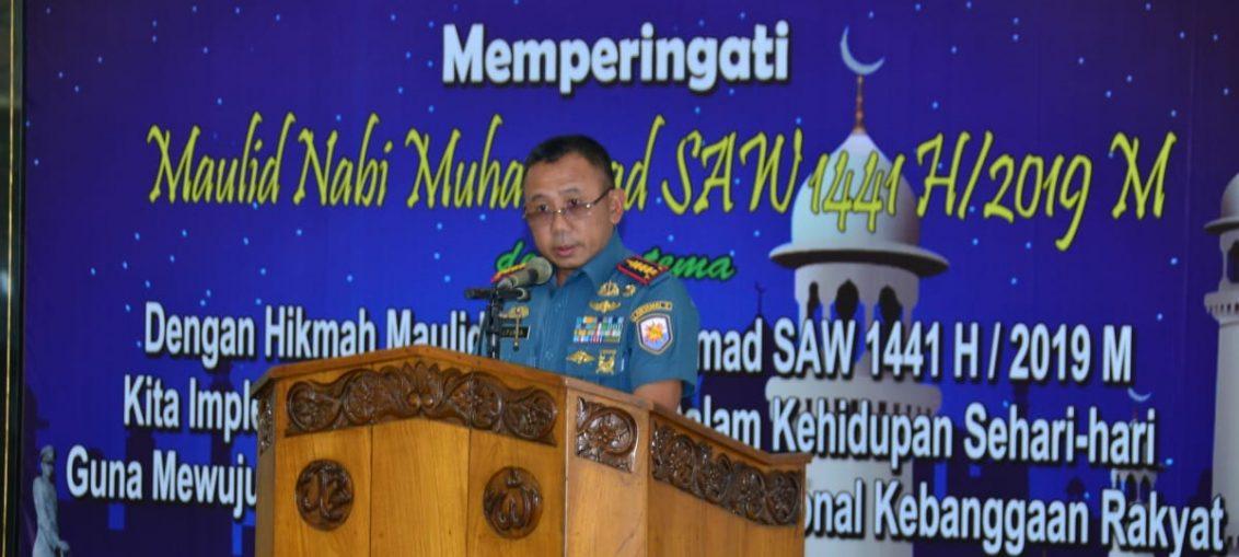 Kolonel Marinir Jasiman Purba saat memberikan sambutan di acara peringatan maulud nabi