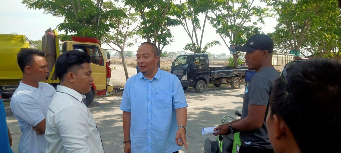 Wakil DPRD Gresik Asluchul Alif saat melakukan sidak pembangunan jalan Betoyo-Dagang
