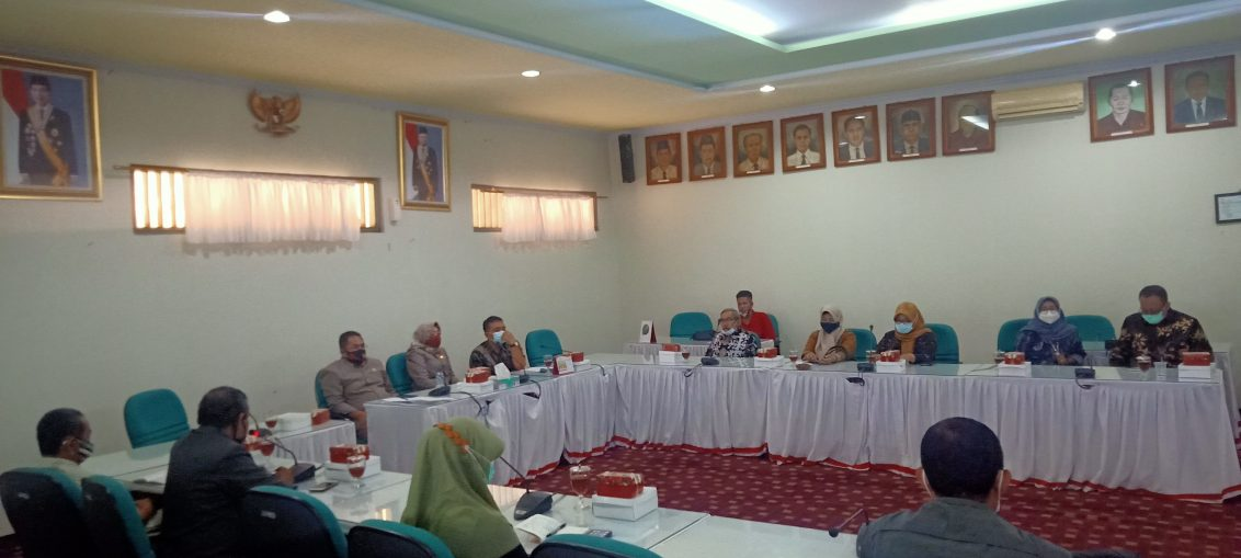 DPRD Gresik dan KWG saat Pemaparan dan diskusi dengan Komisi IV DPRD Kabupaten Sragen