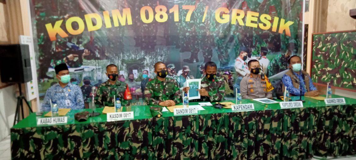 Konfrensi pers terkait berita hoax Kasdim Gresik Mayor Inf Sugeng Riyadi di Aula Makodim 0817 Gresik