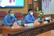 Bupati Gresik saat memberikan sambutan dalam acara pelaksanaan reformasi birokrasi dan peraturan Menpan RB