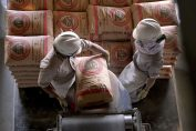Proses pengemasan Semen Indonesia