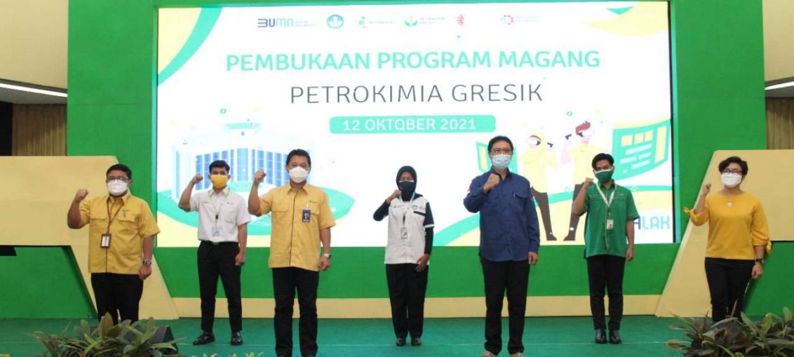 Pembukaan program kerja magang Petrokimia Gresik